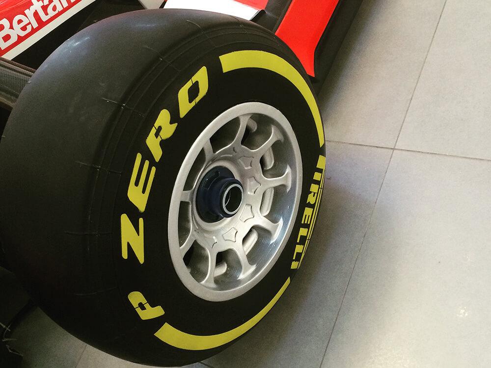 F1 Show Lastiği